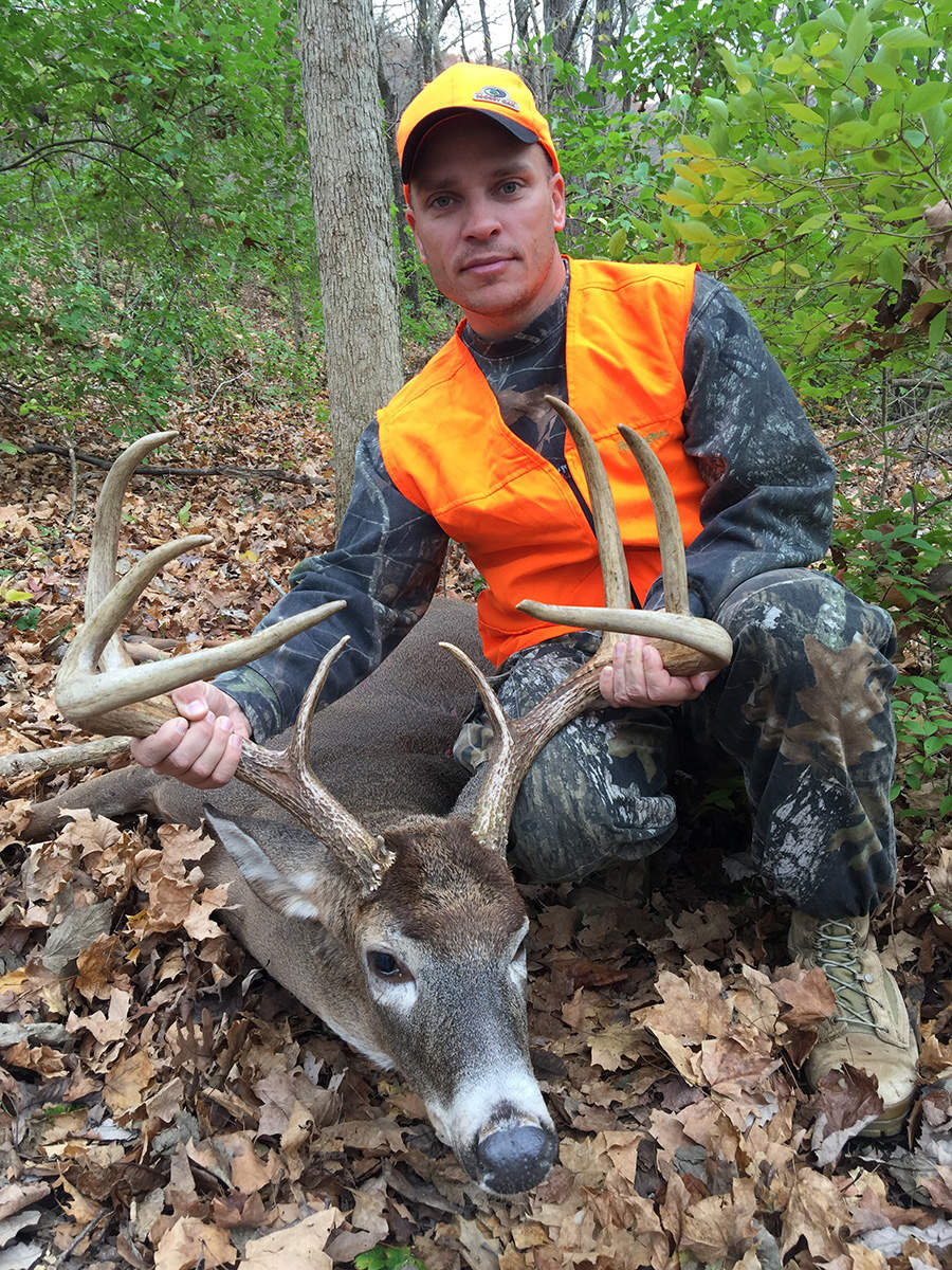 Huge Illinois 8 Point Buck Hornady Manufacturing Inc