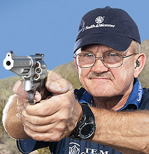 Jerry Miculek (credit Yamil R. Sued)
