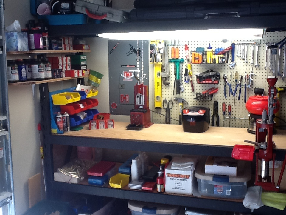 Reloading Bench Hornady Manufacturing Inc